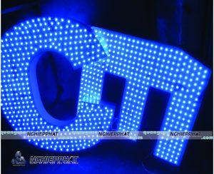 thử ánh sáng led cho chữ quảng cáo