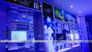 thiết kế ánh sáng cho shop mỹ phẩm