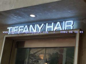 nhiều đơn vị cửa hàng sử dụng biển alu chữ nổi