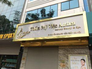 bảng hiệu chữ nổi Inox gương vàng